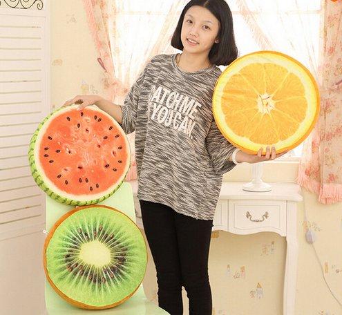 Круглые подушки в виде фруктов